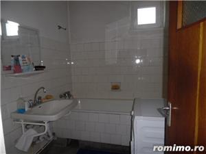 Apartament 4 camere decomandat cu GARAJ si BOXA sub bloc - imagine 7