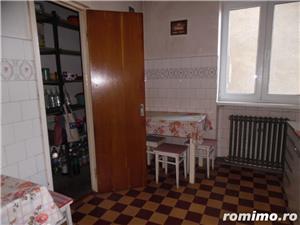 Apartament 4 camere decomandat cu GARAJ si BOXA sub bloc - imagine 9