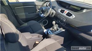 Renault Grand Scenic - imagine 9