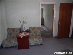 Apartament 4 camere decomandat cu GARAJ si BOXA sub bloc - imagine 12