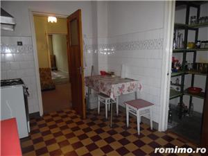 Apartament 4 camere decomandat cu GARAJ si BOXA sub bloc - imagine 11