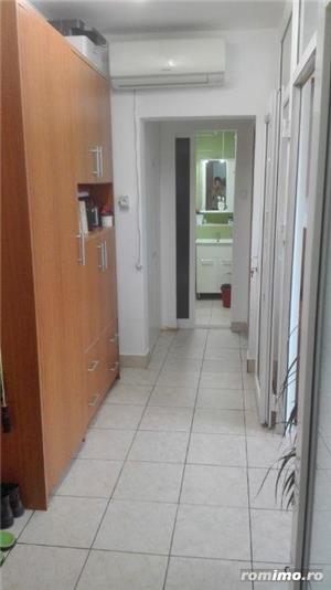 Gh.Lazar apartament 3 camere,et 1 din 10,renovat,7 minute de centru,pret 71.000 euro - imagine 1