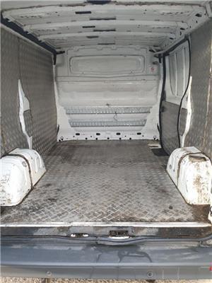Renault Trafic - imagine 6