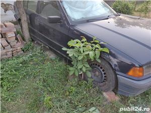 Dezmembrez BMW 318i e36 - imagine 5
