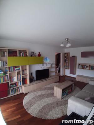 Apartament 3 camere de vanzare in Plopilor - imagine 1