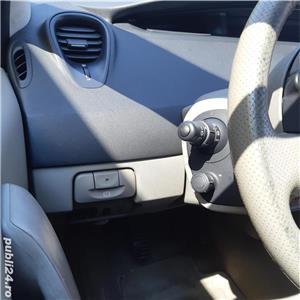 Renault Scenic - imagine 11