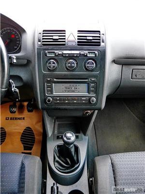 VW TOURAN 7 LOCURI - 2.0 TDI - 140 C.P. - EURO 4 - vanzare in RATE FIXE cu avans 0%. - imagine 12