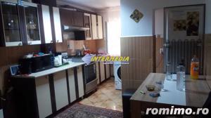 Apartament 3 camere Alba Iulia zona Cetate - imagine 2