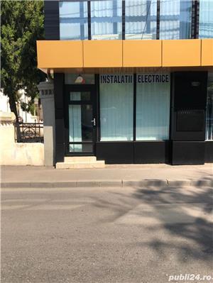 Inchiriez spatiu birou Centru vis-a-vis de Electrica , Str. Eroilor 38 - imagine 1