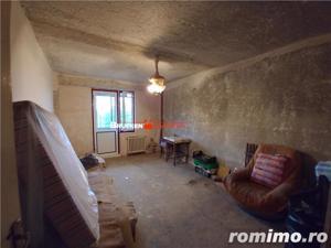 Se vinde cu 10500 euro - apartament 4 camere in Balc - imagine 4