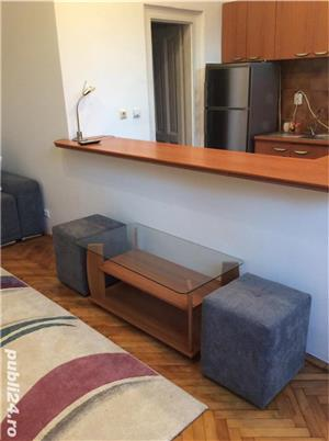 Închiriez apartament modern, cu o camera, in vila, ultracentral, cu parcare in curte. - imagine 2