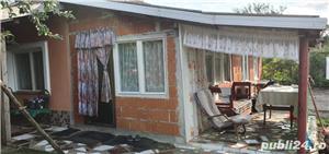 Vand casa la tara cu 23 ari de mure - imagine 2