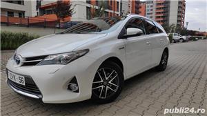 Toyota auris / hybrid /panorama / piele/ navi / cameara mansalier /automata - imagine 2