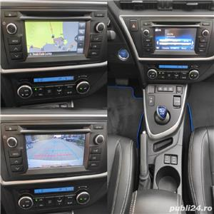 Toyota auris / hybrid /panorama / piele/ navi / cameara mansalier /automata - imagine 8