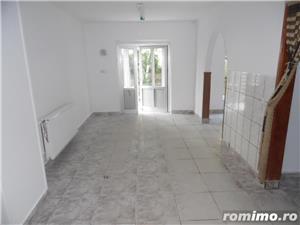 Vand spatiu comercial in Deva, zona Micro 15, transformat din apartament de 3 camere cu proiect - imagine 1