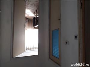 Vand apartament 3 camere decomandat - imagine 2