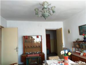 Vand apartament 3 camere decomandat - imagine 9