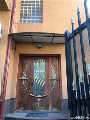 Vila de vânzare ,sector 4 ,finisata ,mobilată - imagine 2