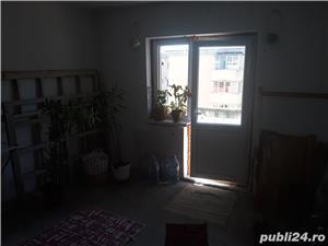 Vînd apartament 2 camere Zarnesti , str. Florilor - imagine 5