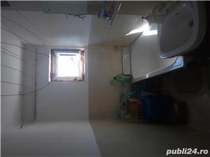 Vînd apartament 2 camere Zarnesti , str. Florilor - imagine 1