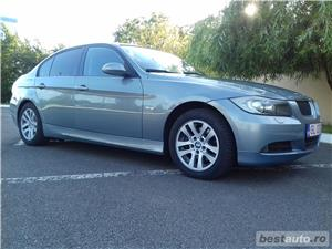 Bmw Seria 3 320D - imagine 4