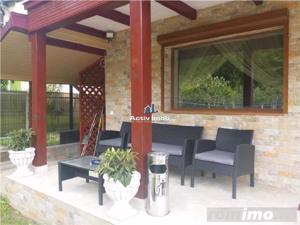 Vila - Living, 5 camere,3 bai, zona Noua - imagine 7