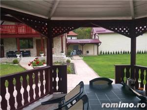 Vila - Living, 5 camere,3 bai, zona Noua - imagine 1