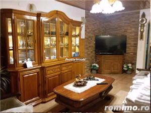 Vila - Living, 5 camere,3 bai, zona Noua - imagine 4