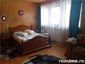 Vila - Living, 5 camere,3 bai, zona Noua - imagine 5