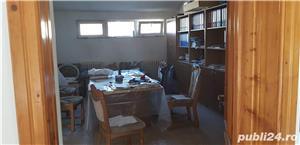 Vand spatiu birouri mobilat(3 incaperi de birouri+hala in aceeasi cladire) - imagine 12