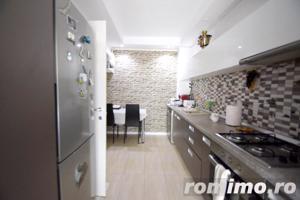 Apartament 2 camere Cosmopolis terasa20 mp+gradina 43mp,vedere piscina - imagine 5