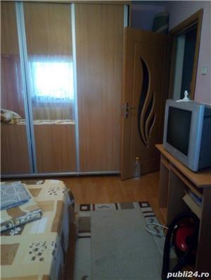 Închiriez cameră în apartament decomandat, la student nefumator - imagine 1