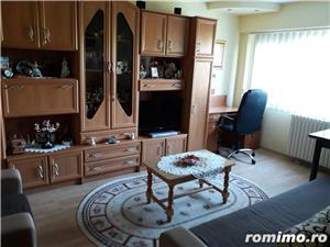 Vand apartament 3 camere Tomis Nord - imagine 1