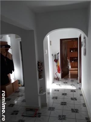 Vand apartament 3 camere Tomis Nord - imagine 8