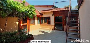 Casa/vila spatioasa de vanzare in Mehala - imagine 2