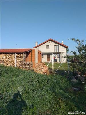Casa / Vila de vanzare LAZURI tip p+1m - imagine 2