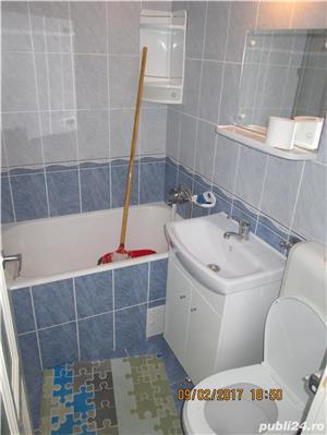 Inchiriez apartament 3 camere Boul Rosu - imagine 1