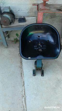 Scaun tractor fiat 215 - imagine 1