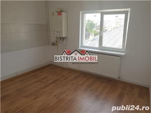 Apartament 2 camere, zona Sens, etaj 3, decomandat, finisat recent - imagine 1