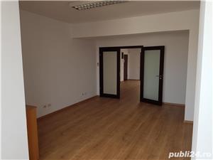 Vanzare apartament situat intr-un imobil de pe Bdul Ferdinand I - imagine 2
