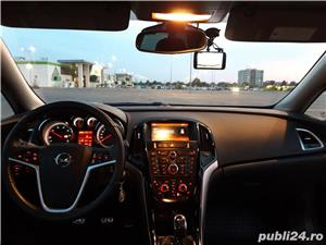 Opel Astra J Sports Tourer 7800 Euro Negociabil  - imagine 6