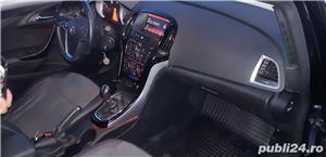 Opel Astra J Sports Tourer 7800 Euro Negociabil  - imagine 8
