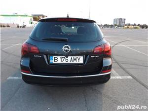 Opel Astra J Sports Tourer 7800 Euro Negociabil  - imagine 5