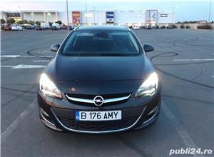 Opel Astra J Sports Tourer 7800 Euro Negociabil  - imagine 2