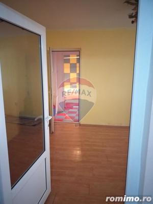 Apartament de inchiriat cu 3 camere str. Aluminei (Decebal) - imagine 4