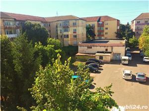 PROPRIETAR vand apartament 3 camere cf1 Calea Lipovei - imagine 19