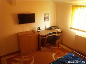 Apartament 2 camere de inchiriat- Decomandat- Centrala Proprie- Zona Soarelui  - imagine 2