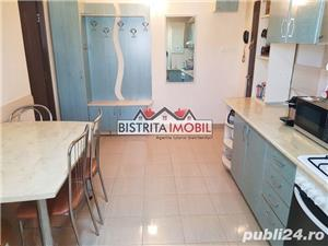 Apartament 2 camere, zona Lama, spatios, finisat, partial mobilat - imagine 3