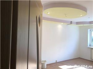 Vânzare apartament3camere - imagine 2