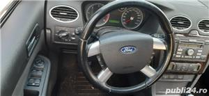 Ford Focus Ghia Titanium - imagine 5